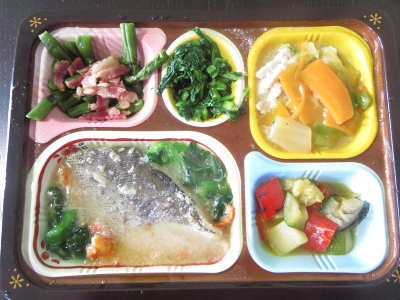 食宅便低糖質セレクト 鱈のカニあんかけと豚肉の野菜旨煮 糖質5.1g 203キロカロリー
