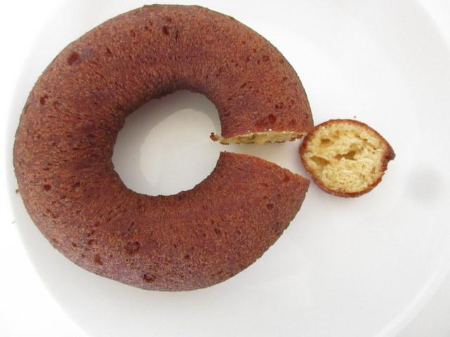 ローソン ブランのドーナツ 糖質13.1g 切ったところ